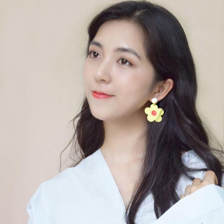 frfhwvytr w.jpg w720 - 又甜又A的韩国女团小姐姐,这些点睛饰品学起来!