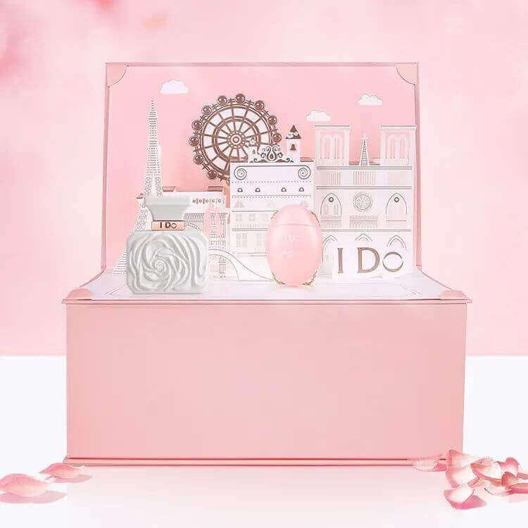 640 396 - 圣诞节送女生指南,这些精致浪漫的礼物一定让她心动!