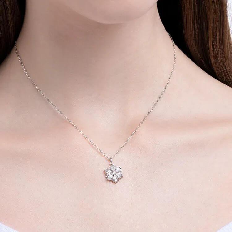 640 399 - 圣诞节送女生指南,这些精致浪漫的礼物一定让她心动!
