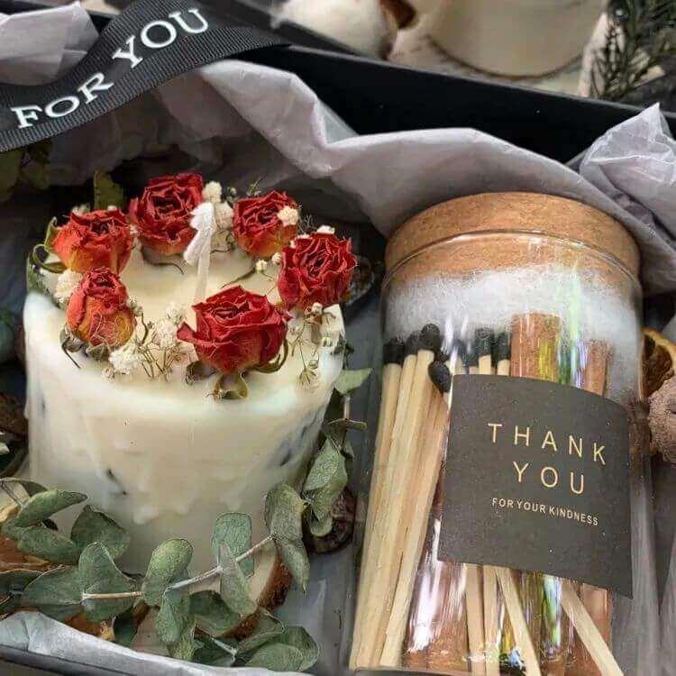 640 423 - 圣诞节送女生指南,这些精致浪漫的礼物一定让她心动!